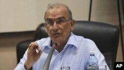 Humberto de la Calle, el negociador del gobierno colombiano exigió a Noruega y Cuba, los mediadores de las conversaciones de paz con los rebeldes, que tomen medidas de manera que los comandantes de las FARC regresen a Cuba.