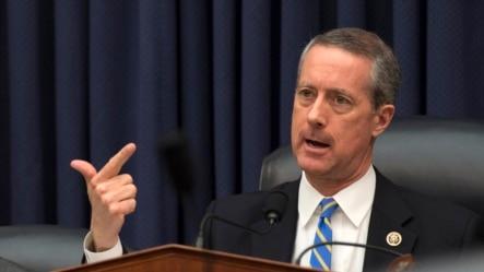 美国众议院军事委员会主席、来自得克萨斯州的共和党籍众议员迈克•索恩伯里(资料照片)