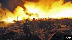 Nổ và cháy tại một nhà kho ở Rangoon, Miến Điện hôm 29/12/11
