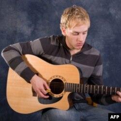 """Decu u """"Školi roka""""podučavaju profesionalni muzičari"""