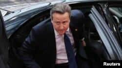 PM Inggris David Cameron tiba di lokasi KTT para pemimpin negara-negara Uni Eropa di Brussels (27/6).
