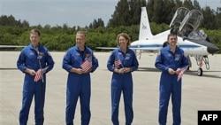 Экипаж Атлантиса. 4 июля 2011г. Мыс Канаверал. Флорида.
