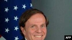 美国助理国务卿迈克尔波斯纳