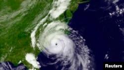 卫星图像7月3日美国东部时间17时12分显示飓风亚瑟已经登录东部地区