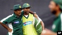 جاوید میانداد 2004 میں بھی پاکستانی ٹیم کی کوچنگ کرچکے ہیں