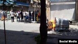 پیش از این بازاریان ایران در اعتراض به وضعیت اقتصادی، رکود، گرانی و تورم چندین بار دست اعتراض زده بودند.