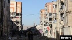 伊朗克尔曼沙赫省萨波勒-扎哈布镇在地震中受损严重。(2017年11月13日)