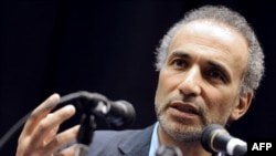 L'intellectuel musulman suisse Tariq Ramadan à Nanterre, dans la banlieue ouest de Paris, 4 mars 2012.