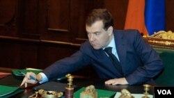 Rusia exhortó al primer ministro libio, Al-Baghdadi Ali al-Mahmoudi, a implementar las resoluciones de la ONU.