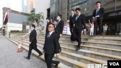 7名涉案警察庭审期间离开法庭(资料)