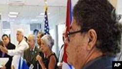 迈阿密古巴裔美国人集会担心拉美左翼政权蔓延支持洪都拉斯临时政府