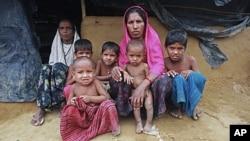 Pengungsi Rohingya di sebuah kemah penampungan pengungsi di Kutupalong (Foto: dok). Konflik Muslim-Budha di Burma telah menyebabkan lebih dari 22.000 orang kehilangan tempat tinggal.