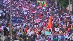 Video of Muslim Brotherhood supporters and military backers