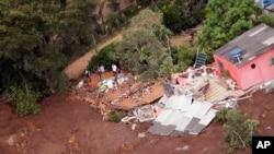 """Para el sábado por la mañana, se desconocía con exactitud la situación de los ciudadanos de la zona, pero el presidente Jair Bolsonaro y otros funcionarios ya han descrito la devastación como una """"tragedia""""."""