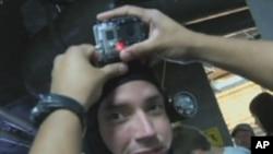 Podvodna video kamera GoPro Hero3 može lako da se pričvrsti na ronilačku kapu