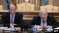 Kopredsednici Nacionalne komisije za fiskalnu odgovornost i reformu Erskin Boulz i Alan Simpson obrazlažu svoj plan, Vašington, 1. decembar 2010.