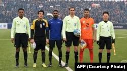 کپتان تیم های شاهین آسمایی و حاصلات تاجکستان با حکم های رقابت
