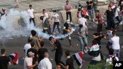 Irak'ta 1 Ekim'de başlayan gösterilerde bugüne dek en az 250 kişi hayatını kaybetti 800'ün üzerinde kişi de yaralandı.