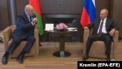 Александр Лукашенко и президент РФ Владимир Путин на встрече в Сочи. Архивное фото 14 сентября 2020