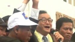 柬埔寨反對黨領袖桑蘭西結束流亡生活返國