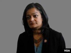 ARCHIVO - Pramila Jayapal, legisladora demócrata por el estado de Washington, en el noroccidente de EE. UU.