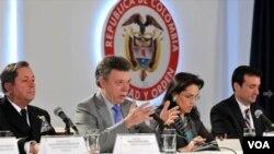 En la conferencia de prensa participaron el presidente Juan Manuel Santos, el almirante Álvaro Echandía, la fiscal general de Colombia, Vivian Morales y el fiscal del sur de Florida, Wilfredo Ferrer.