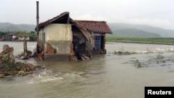 지난 2012년 홍수 피해를 입은 북한의 가옥. (자료사진)