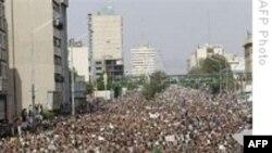 ايرانيان در اعتراض به نتايج اعلام شده انتخابات رياست جمهوری به خياباتها ريختند