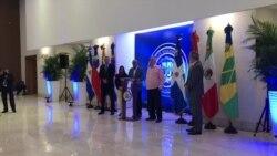 Representantes del gobierno de Venezuela dan declaraciones en Dominicana