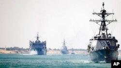 کشتیهای طیارهبردار امریکا در خلیج