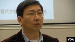 香港大學法律學院院長陳文敏表示,香港特區政府不應該將政治問題推給法院處理(美國之音湯惠芸)