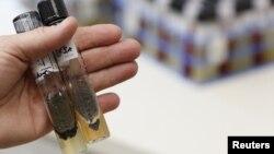 Muestras del hongo asociado a los esteroides contaminados que ocasionaron el brote de meningitis.
