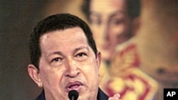 Venezuela's President Hugo Chavez speaks during a news conference at Miraflores Palace in Caracas, 22 Dec 2010
