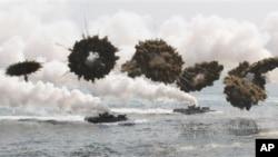 Fuerzas militares de Corea del Sur y EE.UU. llevan a cabo ejercicios militares.