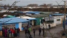 Imigrantët në kufirin mes Francës dhe Britanisë