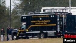 La policía abrió un comando central de operaciones en Alabama cerca de donde estaba secuestrado el niño.