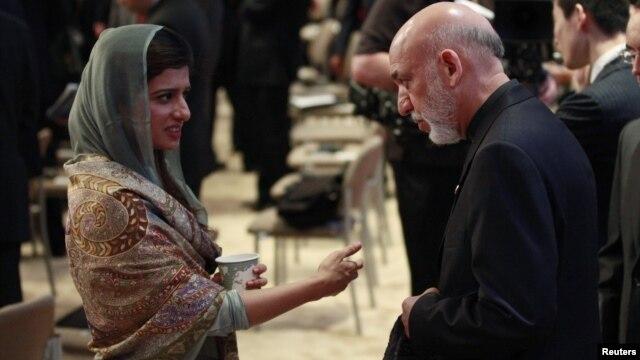 Pokiston Tashqi ishlar vazirasi Hina Rabboniy Xar, Afg'oniston rahbari Hamid Karzay