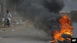 ذوالفقار مرزا کی تنقید کے بعد کراچی سمیت سندھ کے اہم شہروں میں فائرنگ اور جلاوٴ گھیراوٴ