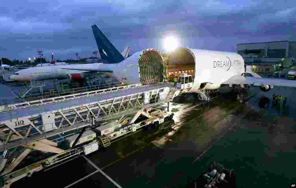 The Boeing 747 Dreamlifter, carrying the first major assembly for the Boeing 787 Dreamliner in Everett, Washington, after the plane's arrival from Italy, April 24, 2007.
