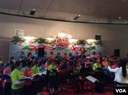香港欢庆圣诞和新年的景象 (美国之音记者申华拍摄)