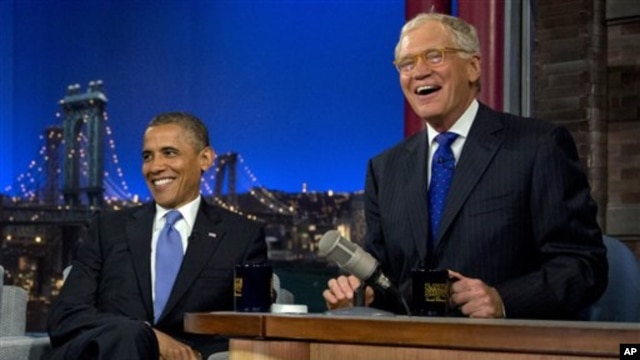 "Presiden AS, Barack Obama bersama David Letterman dalam acara ""Late Show With David Letterman"" di Ed Sullivan Theater, New York (18/9)."