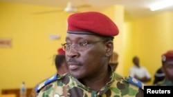 Lieutenant Colonel Yacouba Isaac Zida, Premier ministre destitué par les putschistes
