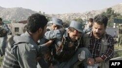 Nạn nhân của một trong những vụ tấn công bằng bom ở Afghanistan