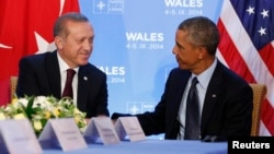 Geçen ay Galler'deki NATO zirvesi sırasında bir araya gelen Cumhurbaşkanı Recep Tayyip Erdoğan ve Başkan Barack Obama