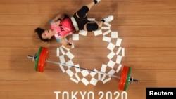 台灣阿美族女運動員郭婞淳在東京奧運會舉重女子59公斤級比賽中為台灣奪得本屆奧運首枚金牌。(2021年7月27日)