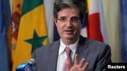 Francois Delattre, l'ambassadeur français de l'ONU, s'adresse aux journalistes après le vote du conseil de sécurité de l'ONU qui approuve une résolution sur le Burundi à New York, le 29 juillet 2016.