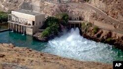 بند برق کجکی یکی از بندهای بزرگ برق آبی در افغانستان است