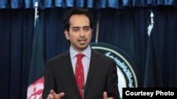 ایمل فیضی می گوید که پاکستان رهایی ملابرادر را مشروط با تایید امریکا کرده است