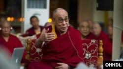西藏宗教领袖达赖喇嘛 (资料照片)