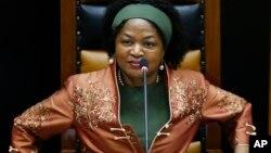 Imwe nhumwa yaVaCyril Ramaphosa ndaAmai Baleka Mbete.